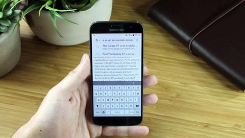 How do I copy and paste on my Samsung Galaxy smartphone