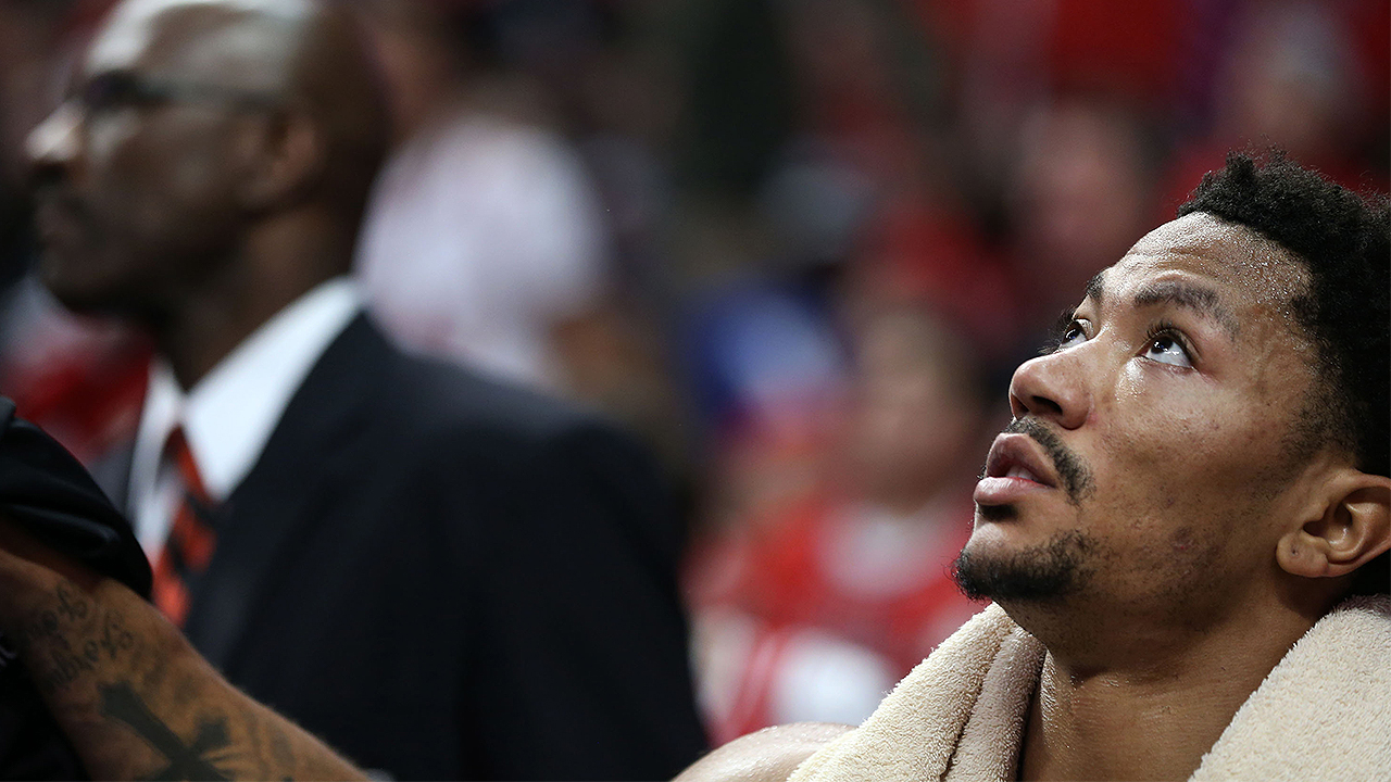 ab0a288bdfd5 Bulls  Derrick Rose forced from action with ankle sprain