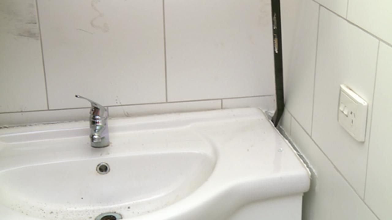 How To Remove A Bathroom Video Bunnings Warehouse - Gutting a bathroom