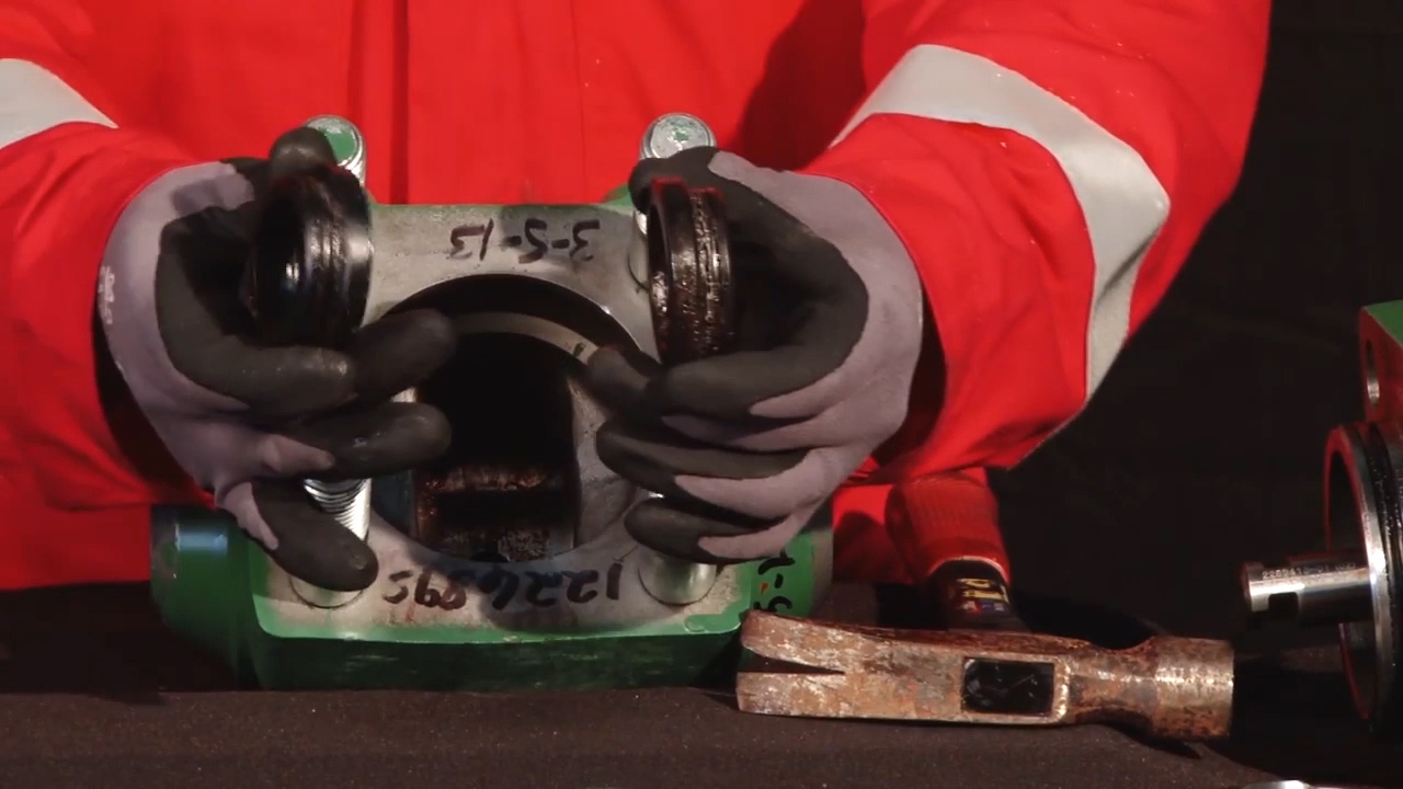 DEMCO DM 7500-psi Gate Valve: Disassembly and Reassembly for Major Repair