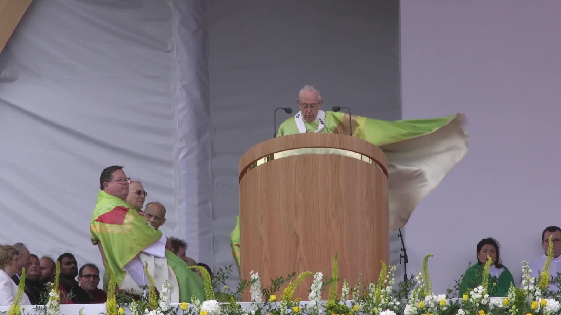 Video: The Pope lead Mass in Ireland