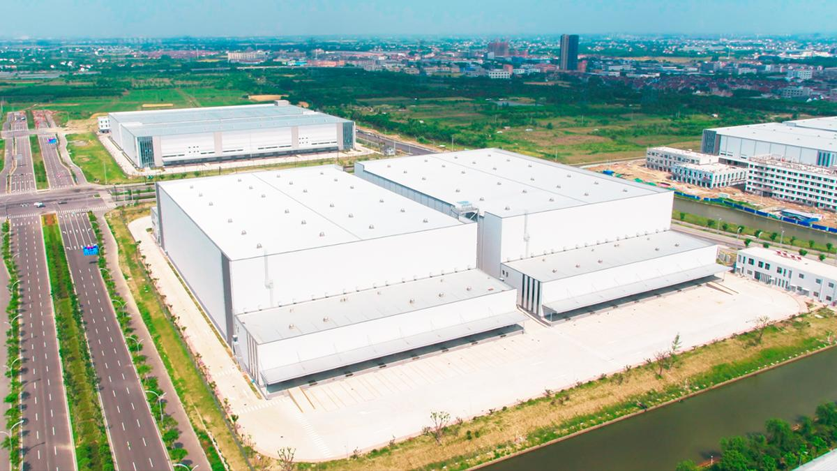 This Is How China's Largest Automated Warehouse Works